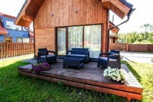 Stiklinis namelis (2 aukstu namelis su terasa)