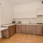 Общая кухня и столовая