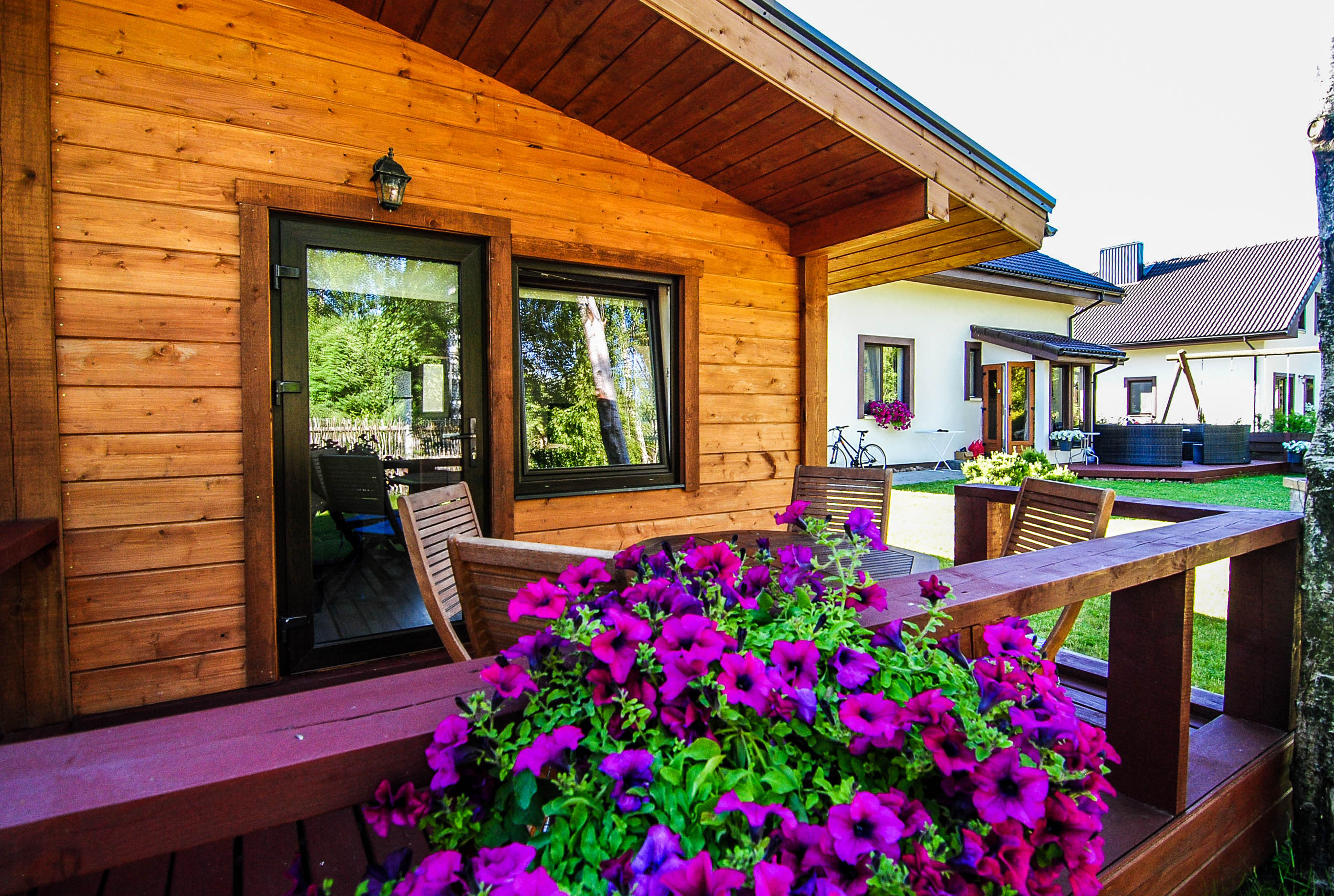 Quadruple wooden hut – Birch