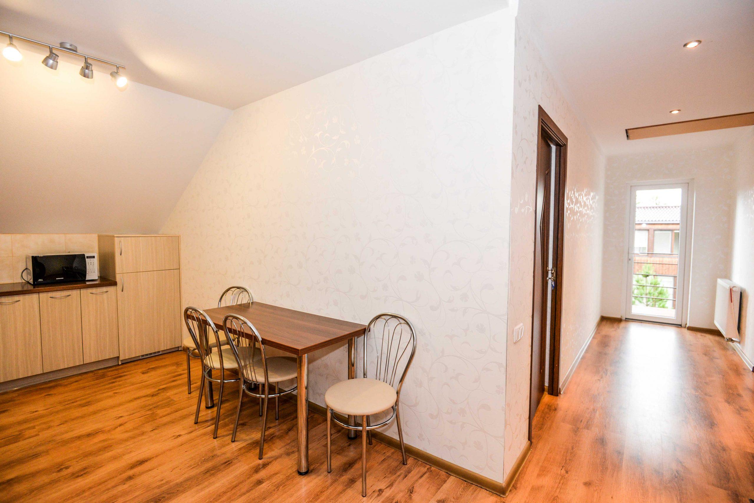 Trijų kamabarių apartamentai 6-iems asmenims